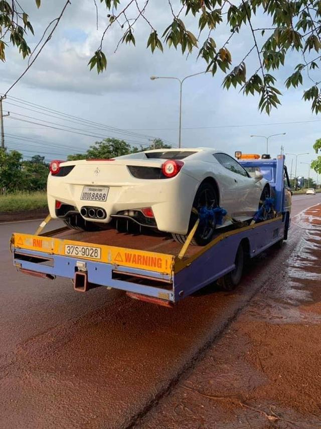 Ferrari 458 Spider biển số tứ quý Lào bất ngờ xuất hiện tại thành phố Vinh - Ảnh 1.