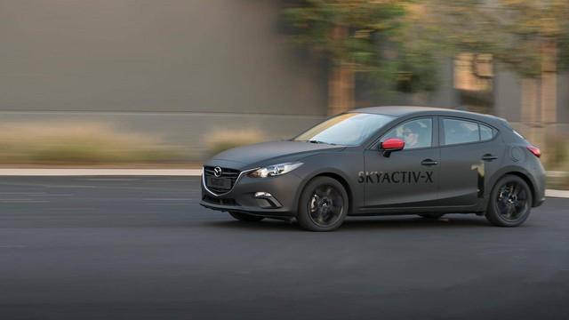 Mazda: SkyActiv-X phức tạp nhưng chúng tôi sẽ không tăng giá dịch vụ - Ảnh 1.