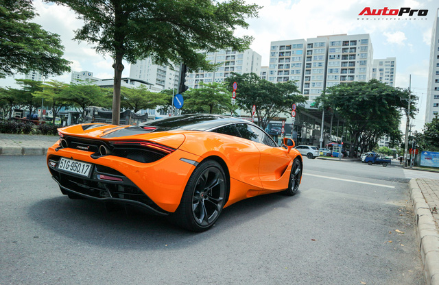 Đàm Thu Trang - vợ sắp cưới của doanh nhân Nguyễn Quốc Cường tự tin cầm lái siêu xe McLaren 720S - Ảnh 9.