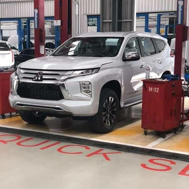 Lộ hình ảnh thực tế Mitsubishi Pajero Sport 2020 sẽ bán tại Việt Nam - Ảnh 1.