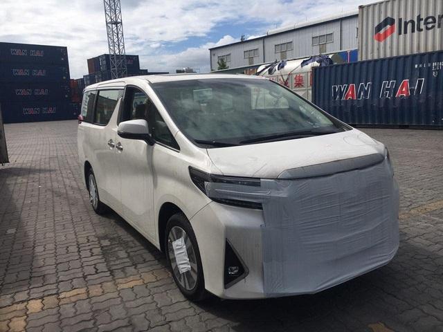 Ông hoàng nhạc Việt Đàm Vĩnh Hưng tậu Toyota Alphard nhập khẩu tư nhân giá hơn 4 tỷ đồng - Ảnh 1.