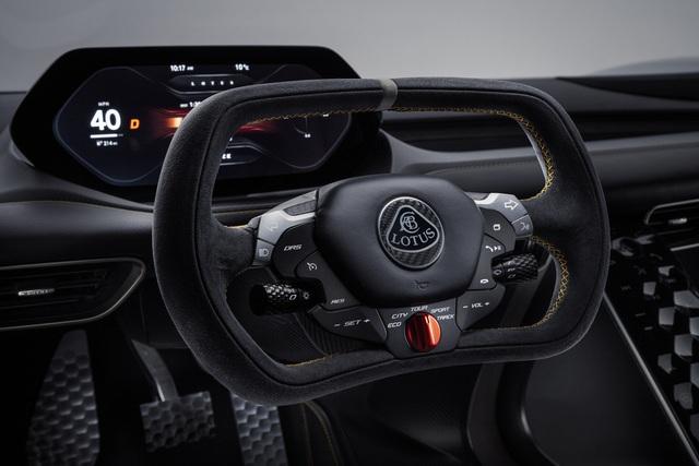 Ra mắt xe sản xuất hàng loạt mạnh nhất thế giới - Ảnh 10.