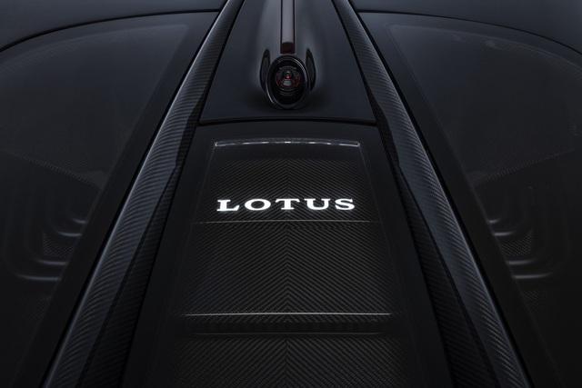 Ra mắt xe sản xuất hàng loạt mạnh nhất thế giới - Ảnh 7.