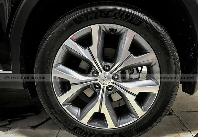 Bóc tách trang bị Hyundai Palisade vừa về đại lý: SUV 8 chỗ, nhiều chi tiết mới lạ so với Santa Fe - Ảnh 6.