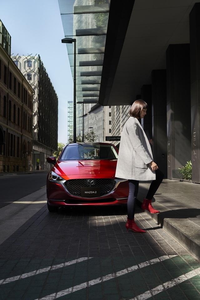 Ra mắt Mazda2 phiên bản mới: Thay thiết kế, thêm công nghệ để đấu Toyota Yaris - Ảnh 9.