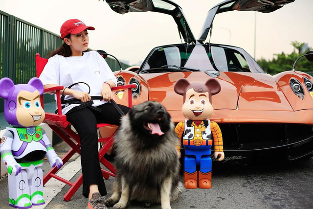 Thú chơi siêu xe và xe siêu sang toàn hàng khủng của vợ cũ đại gia Phạm Trần Nhật Minh cùng con gái - Ảnh 4.