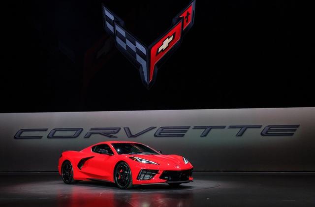 Ra mắt Chevrolet Corvette C8 2020: Khi GM đặt rocket vào giữa xe, ngắm thẳng tới Ferrari - Ảnh 1.