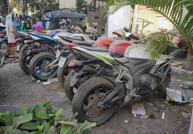 Xót xa siêu mô tô bị vứt xó hoang phế ở đồn cảnh sát - Ảnh 2.