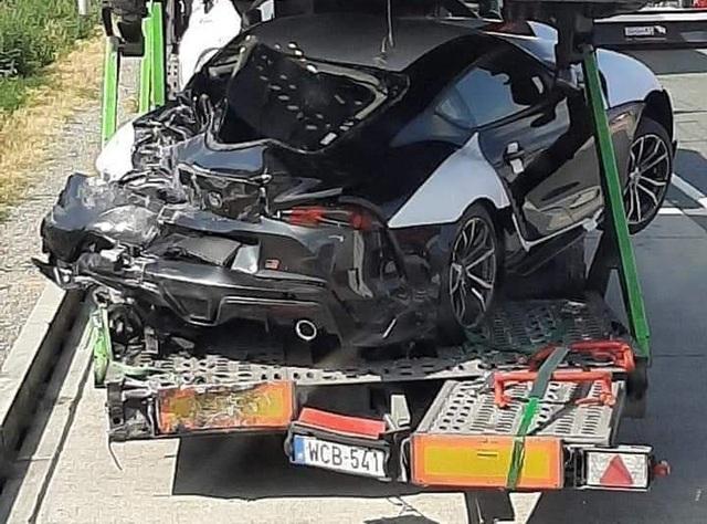 Toyota Supra 2020 bị tai nạn bẹp rúm trên đường đến phòng trưng bày - Ảnh 3.