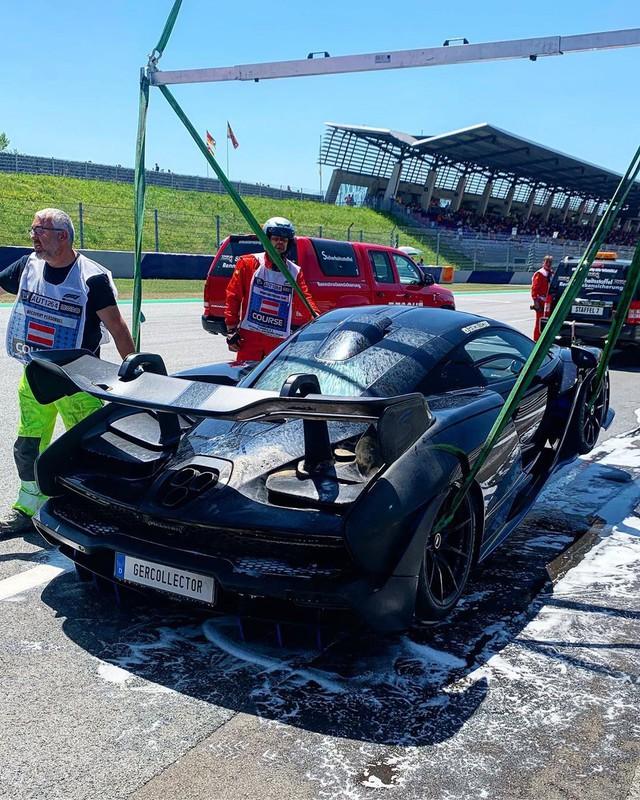Siêu xe McLaren lại bốc cháy bất thường, lần này là siêu phẩm mới ra mắt - Ảnh 2.