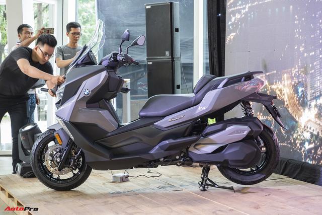 Xe tay ga BMW C400X và C400GT lần đầu tiên ra mắt thị trường Việt Nam, giá từ 289 triệu đồng - Ảnh 2.