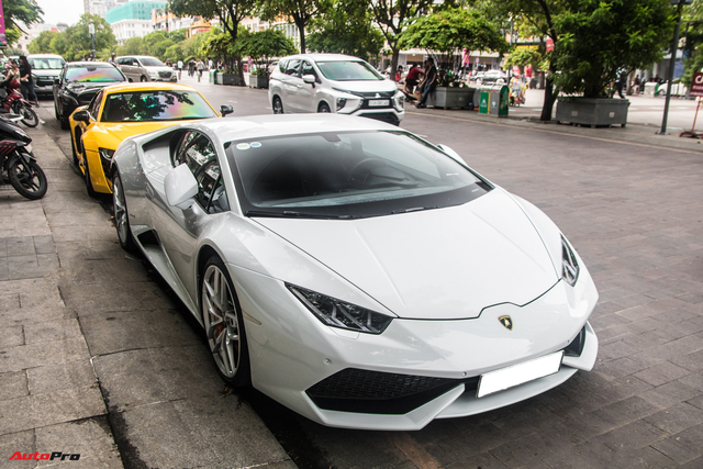 Đại gia đồng hồ Hà Nội cùng dàn siêu xe tụ tập tại Thánh địa Siêu xe Sài Gòn ngày cuối tuần - Ảnh 4.