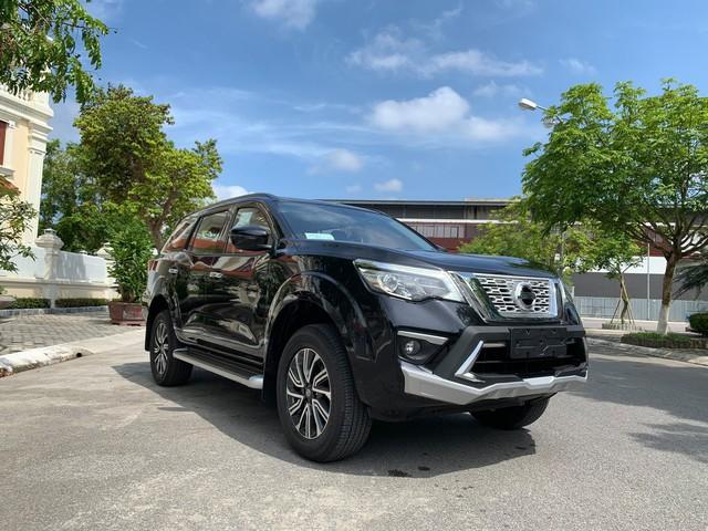 Đại lý tự nâng cấp Nissan Terra thành bản Luxury với bạt ngàn 'đồ chơi', bán rẻ hơn giá niêm yết - Ảnh 1.