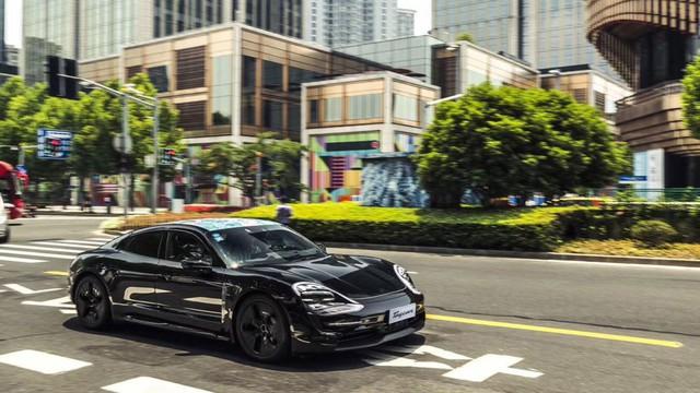 Đây chính là Porsche Taycan sắp về Việt Nam? - Ảnh 4.