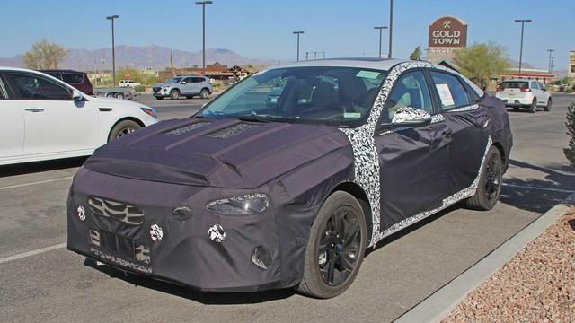 Hyundai Elantra mới lộ diện lần đầu, có thể ra mắt sớm nhất ngay cuối năm - Ảnh 1.