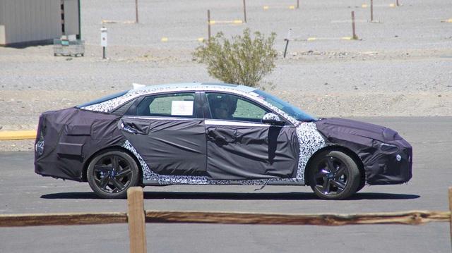 Hyundai Elantra mới lộ diện lần đầu, có thể ra mắt sớm nhất ngay cuối năm