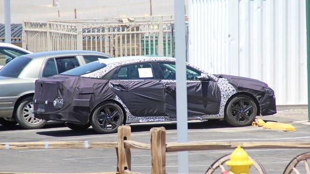 Hyundai Elantra mới lộ diện lần đầu, có thể ra mắt sớm nhất ngay cuối năm - Ảnh 2.