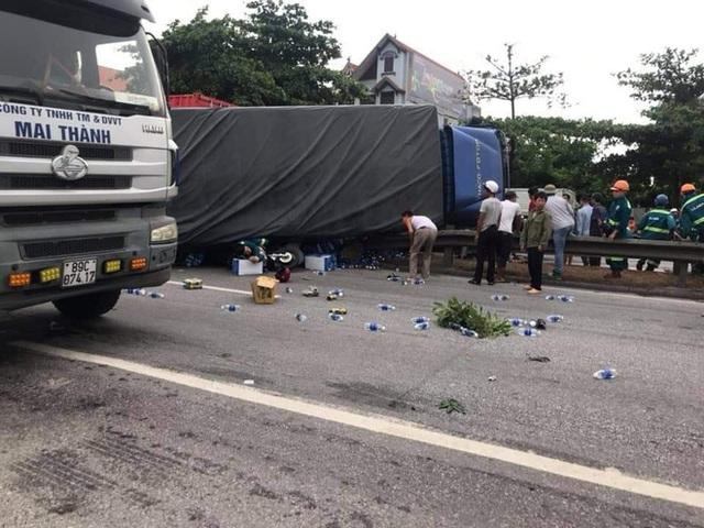 Hiện trường vụ tai nạn kinh hoàng khiến 6 người tử vong ở Hải Dương - Ảnh 3.