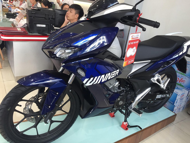 Honda Winner X 2019 loạn giá, đại lý bán chênh hàng triệu đồng - Ảnh 2.