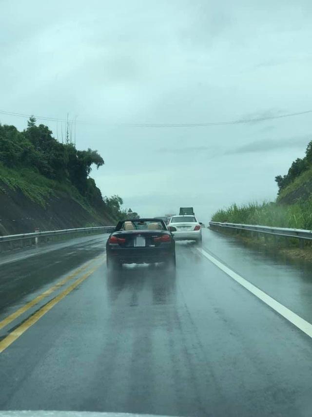 Đi BMW mui trần sang chảnh, tài xế rơi vào cảnh khóc dở mếu dở khiến cả đường ngoái nhìn - Ảnh 2.