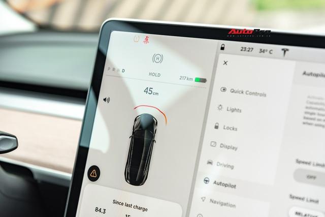 Đánh giá nhanh Tesla Model 3 đầu tiên Việt Nam: 8 điểm thú vị ít ai biết sau mức giá hơn 3 tỷ đồng - Ảnh 10.