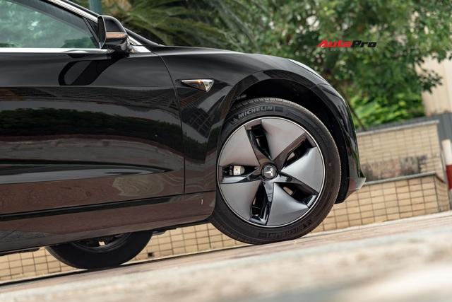 Đánh giá nhanh Tesla Model 3 đầu tiên Việt Nam: 8 điểm thú vị ít ai biết sau mức giá hơn 3 tỷ đồng - Ảnh 18.