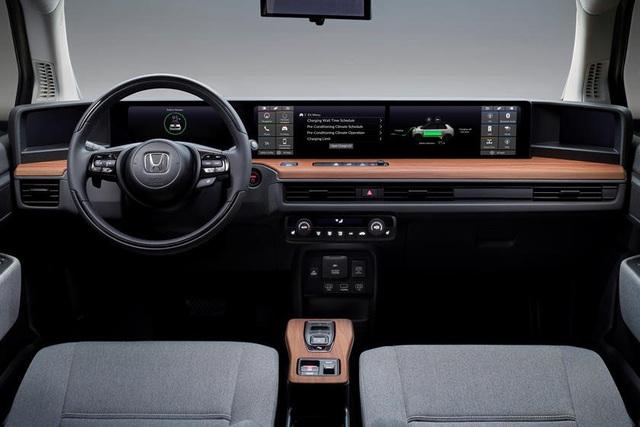 Có gì đặc biệt ở ma trận màn hình được đặt trong xe hơi chạy điện? - Ảnh 1.