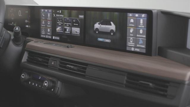 Có gì đặc biệt ở ma trận màn hình được đặt trong xe hơi chạy điện? - Ảnh 3.