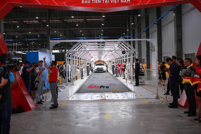 VinFast chính thức bàn giao mẫu Lux SA2.0 và Lux A2.0 tới tay khách Việt - Ảnh 5.