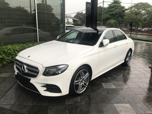 YouTuber 9x Nguyễn Thành Nam sắm 'hàng hiếm' Mercedes-Benz E 350 AMG giá gần 3 tỷ đồng - Ảnh 2.