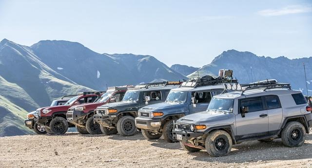 Dân chơi off-road chuộng Lexus GX thay vì Toyota Land Cruiser và đây là lý do - Ảnh 1.