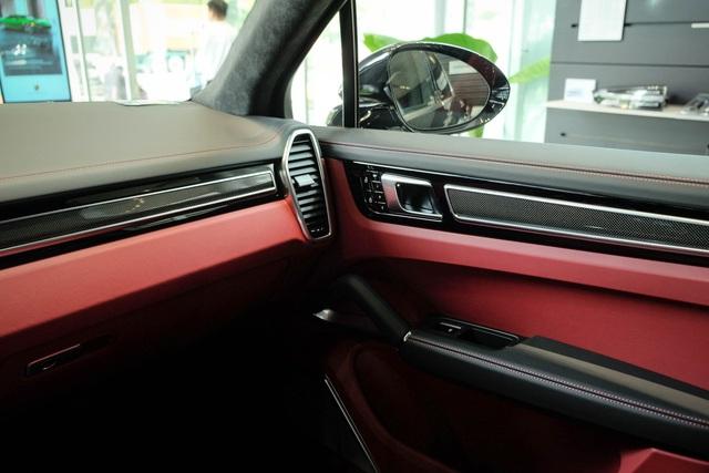 Porsche Cayenne Turbo thế hệ mới đầu tiên Việt Nam giá 9 tỷ đồng sở hữu những option trăm triệu - Ảnh 13.