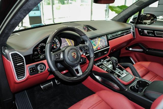 Porsche Cayenne Turbo thế hệ mới đầu tiên Việt Nam giá 9 tỷ đồng sở hữu những option trăm triệu - Ảnh 3.