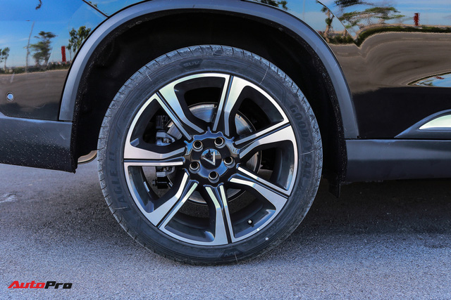 Chi tiết VinFast Lux SA2.0 - Xe Việt, nền tảng BMW, giá ngang Hyundai Santa Fe - Ảnh 3.
