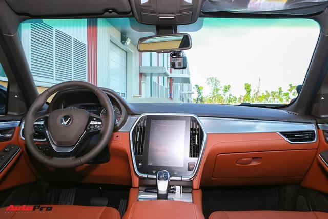 Chi tiết VinFast Lux SA2.0 - Xe Việt, nền tảng BMW, giá ngang Hyundai Santa Fe - Ảnh 8.