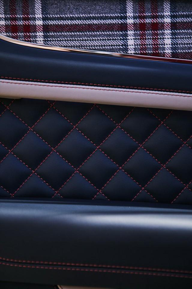 Bentley Bentayga tung ra cùng lúc 2 phiên bản đặc biệt nhưng nội thất mới là điểm đáng chú ý - Ảnh 2.