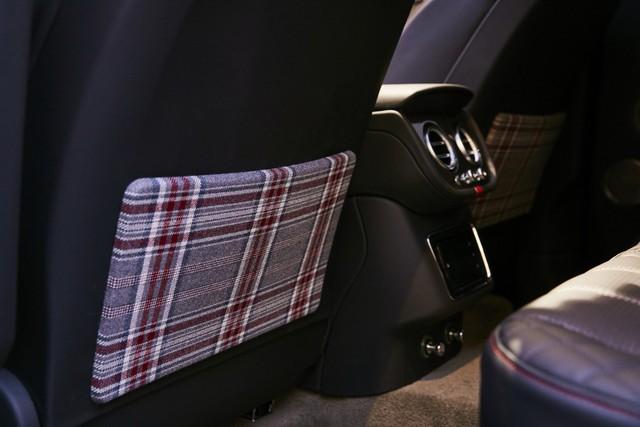 Bentley Bentayga tung ra cùng lúc 2 phiên bản đặc biệt nhưng nội thất mới là điểm đáng chú ý - Ảnh 3.