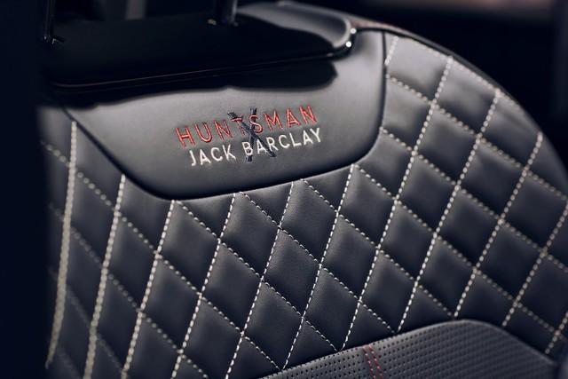 Bentley Bentayga tung ra cùng lúc 2 phiên bản đặc biệt nhưng nội thất mới là điểm đáng chú ý - Ảnh 5.