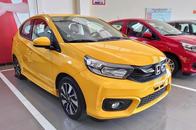 Chào 2019, nhìn lại dàn xe lần đầu bán tại Việt Nam trong năm qua: Đa dạng từ bình dân tới xe sang hàng chục tỷ đồng - Ảnh 1.