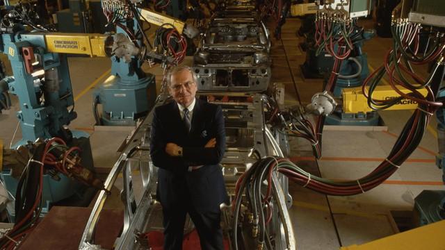 Cha đẻ Ford Mustang và cứu tinh của Chrysler Lee Iacocca qua đời - Ảnh 2.