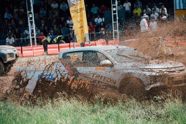 Phá xe như Racing Aka - đội đua offroad chuyên nghiệp đầu tiên của Việt Nam - Ảnh 3.