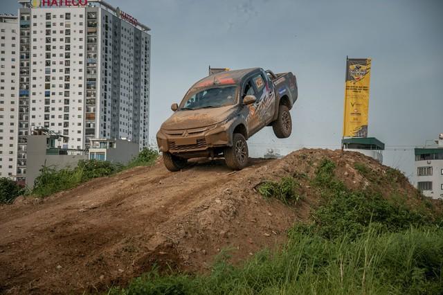 Phá xe như Racing Aka - đội đua offroad chuyên nghiệp đầu tiên của Việt Nam - Ảnh 2.