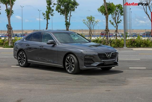 VinGroup cung cấp 1.500 xe VinFast Fadil và Lux cho đối tác kinh doanh dịch vụ gọi xe công nghệ - Ảnh 2.