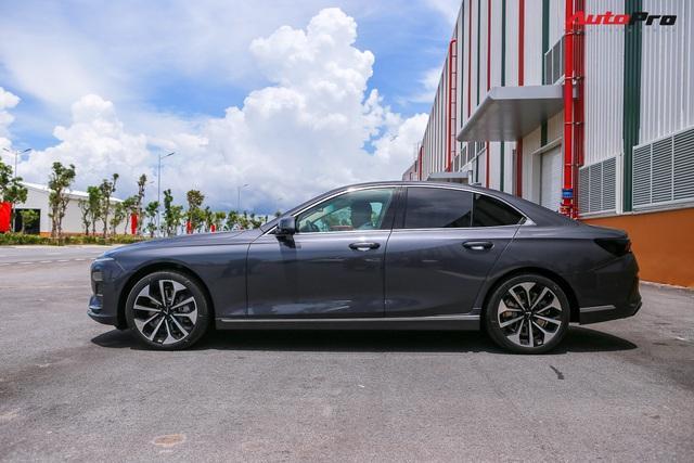 VinFast Lux A2.0 - Xe Việt dùng nền tảng BMW với tầm giá Toyota Camry - Ảnh 3.