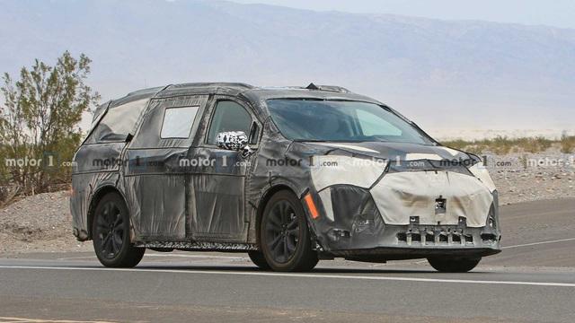 Toyota Sienna minivan đời mới lộ diện chạy thử lần đầu - Ảnh 1.