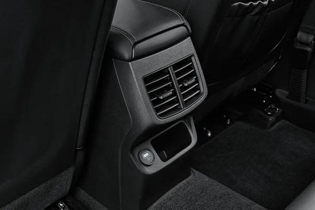 Đã có ảnh nội thất Kia Seltos: Cạnh tranh Honda HR-V bằng công nghệ - Ảnh 6.