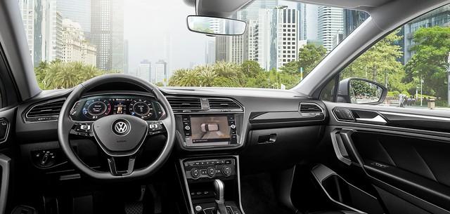 Volkswagen Tiguan Allspace nâng cấp công nghệ vượt Mercedes-Benz GLC 200, giá gần 1,85 tỷ đồng - Ảnh 5.