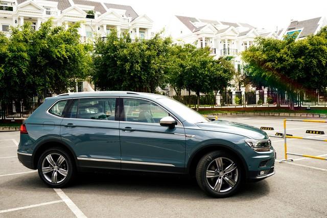 Volkswagen Tiguan Allspace nâng cấp công nghệ vượt Mercedes-Benz GLC 200, giá gần 1,85 tỷ đồng - Ảnh 4.