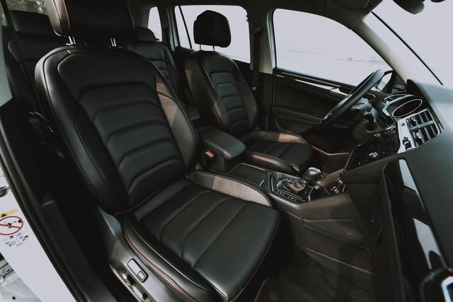Volkswagen Tiguan Allspace nâng cấp công nghệ vượt Mercedes-Benz GLC 200, giá gần 1,85 tỷ đồng - Ảnh 6.