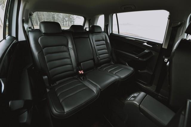 Volkswagen Tiguan Allspace nâng cấp công nghệ vượt Mercedes-Benz GLC 200, giá gần 1,85 tỷ đồng - Ảnh 7.